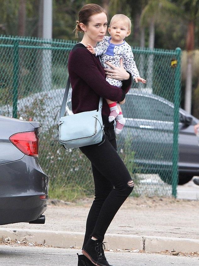 Эмели Блант с дочуркой Хейзел