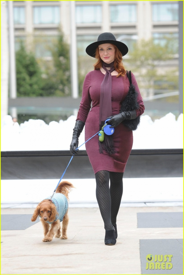 christina-hendricks-becomes-servant-in-another-period-05