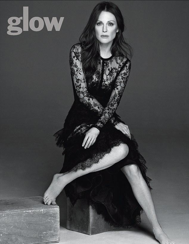 Джулианна Мур для Glow Magazine