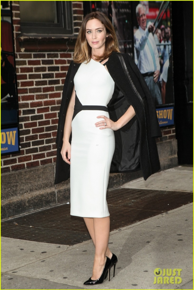 emily-blunt-late-show-with-david-letterman-01