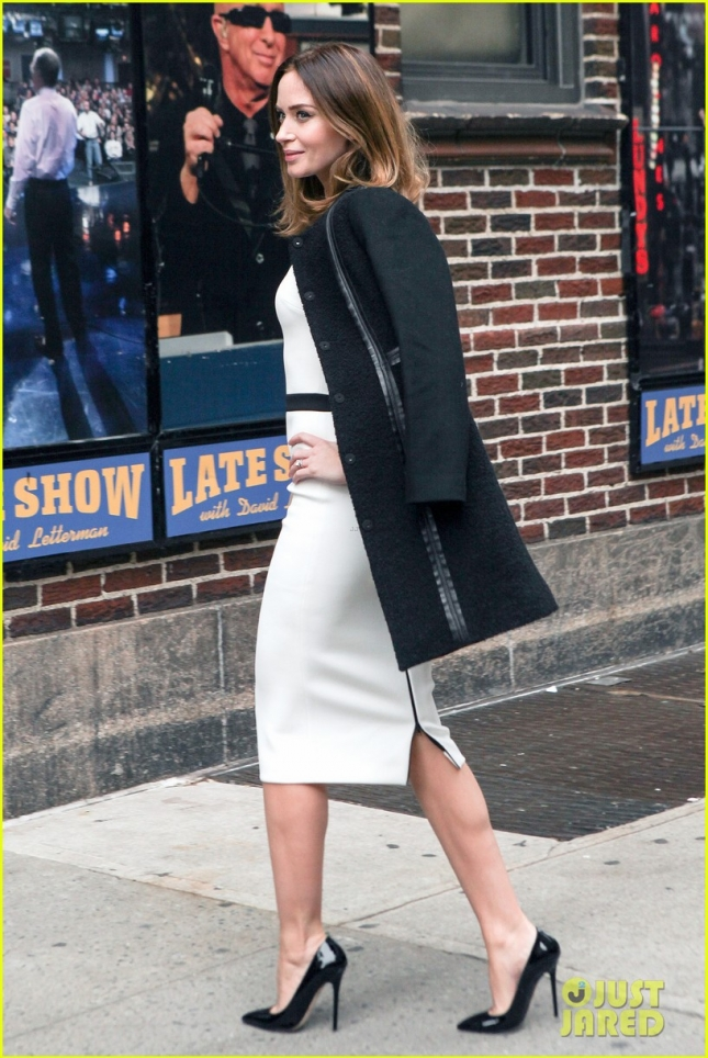 emily-blunt-late-show-with-david-letterman-03