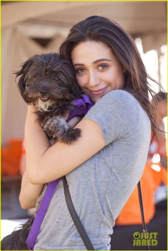 emmy-rossum-adopted-cutest-new-pup-02