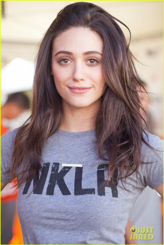 emmy-rossum-adopted-cutest-new-pup-03