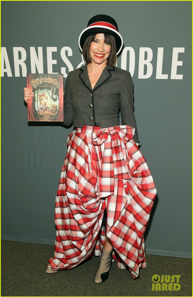 """Evangeline Lilly Signs Copies Of Her Book """"The Squickerwonkers Vol 1"""""""
