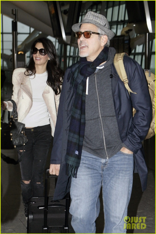 george-clooney-wife-amal-fly-out-of-london-on-thanksgiving-02