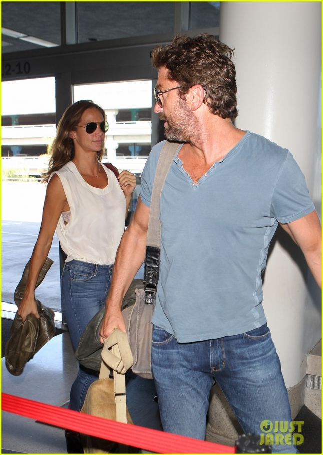 Gerard Butler And Girlfriend At LAX