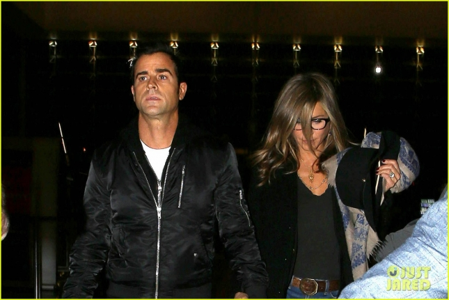 jennifer-aniston-squashes-justin-theroux-elopement-rumors-02