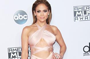 Jennifer-Lopez_glamour_24nov14_rex_b_592x888