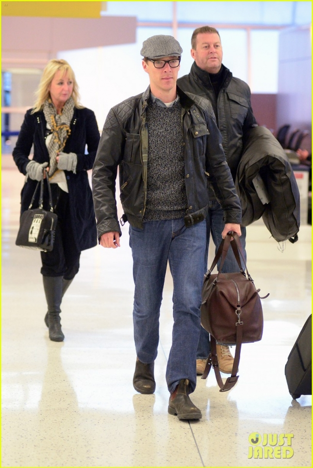 Benedict Cumberbatch Catches A Flight Out Of New York City