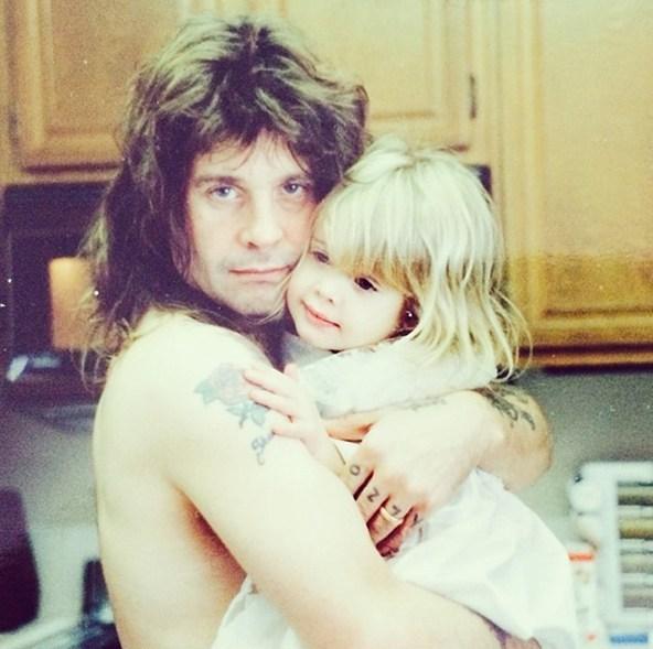 Заботливый Оззи Осборн с дочкой Келли