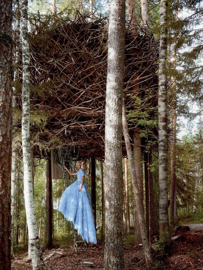 Карли Клосс в фотосессии для Vogue США