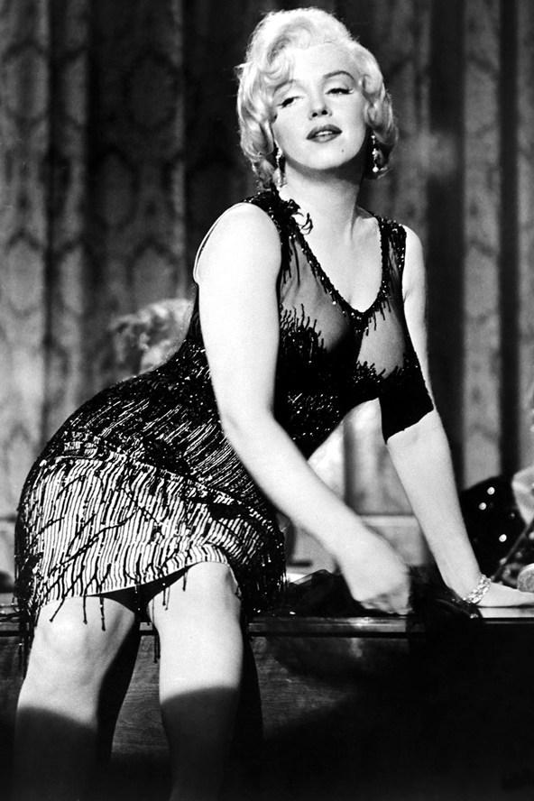 Marilyn-Monroe_glamour_29jul14_rex_b_592x888