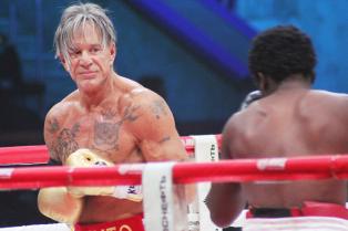 mickey-rourke-wins-boxing-match-02