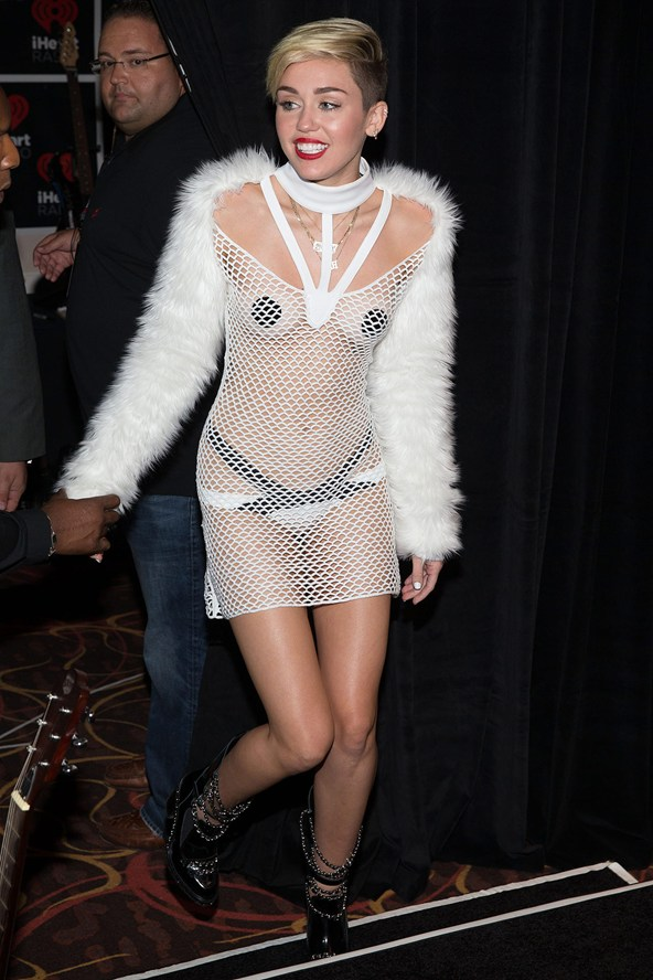 Miley-Cyrus-2013-iHeartRadio_glamour_29jul14_rex_b_592x888