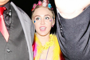 miley-cyrus-patrick-schwarzenegger-celebrate-her-birthday-big-party-01