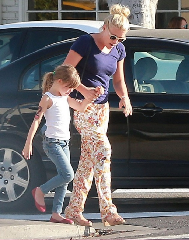 Бизи Филиппс с дочкой Берди