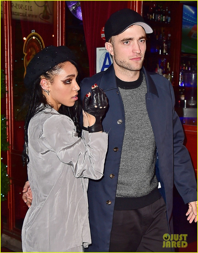 robert-pattinson-supports-fka-twigs-at-nyc-afterparty-04