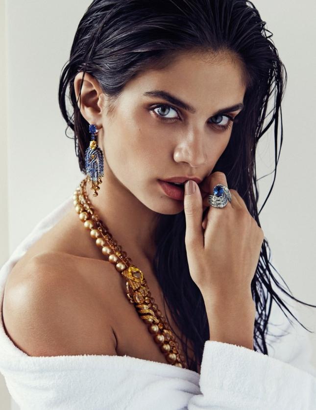 Сара Сампайо в фотосессии для Vogue Испания