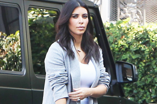 see-the-hermes-bag-north-west-painted-for-mom-kim-kardashian-01