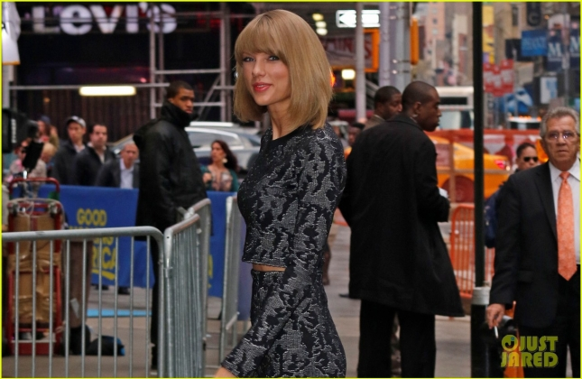 "Taylor Swift arrives at 'GMA' to promote her new video 'Blank Space"" in New York City"