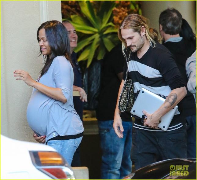 zoe-saldana-marco-perego-pregnant-02