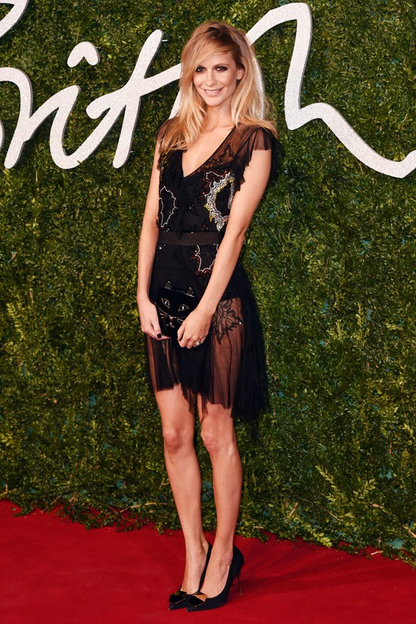 11-poppy-delevingne-british-fashion-awards-vogue-1dec14-rex_b_592x888_1