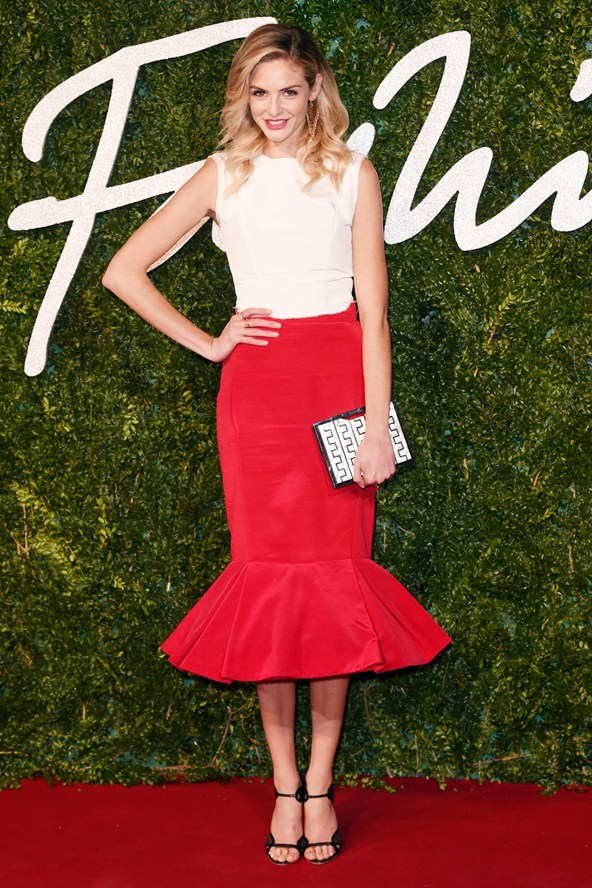 13-tamsin-egerton-british-fashion-awards-vogue-1dec14-rex_b_592x888_1