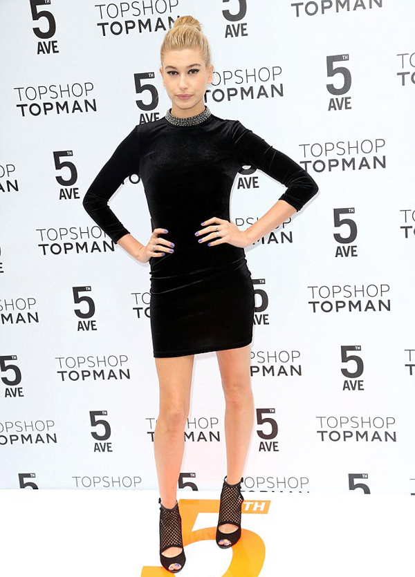 1415266492575_wps_2_Grand_Opening_of_Topshop_