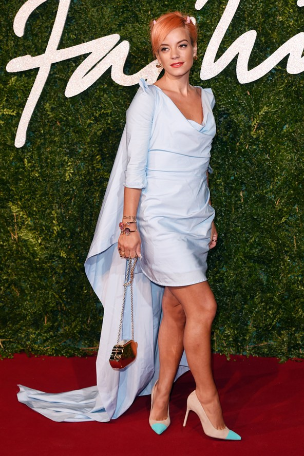 25-lily-allen-british-fashion-awards-vogue-1dec14-rex_b_592x888_1