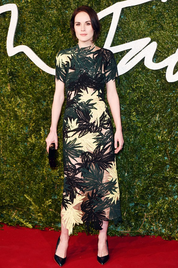 30-michelle-dockery-british-fashion-awards-vogue-1dec14-rex_b_592x888_1