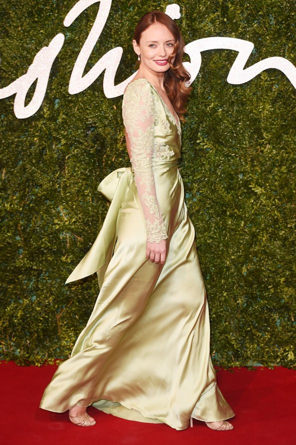 50-laura-haddock-british-fashion-awards-vogue-1dec14-rex_b_592x888_1
