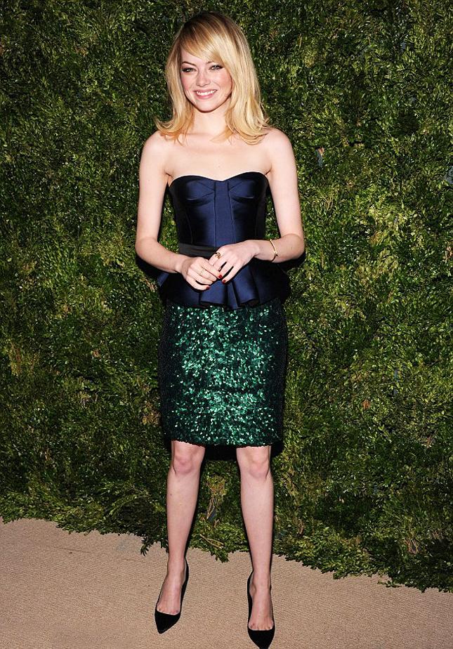 Эмма Стоун в платье Burberry