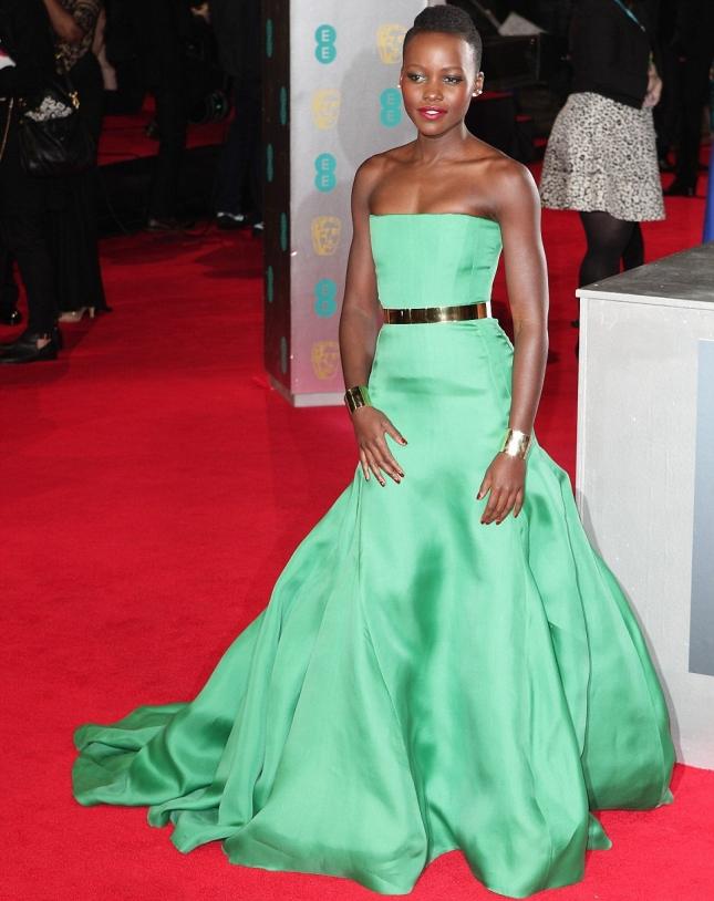 Люпита на красной дорожке BAFTA 2014