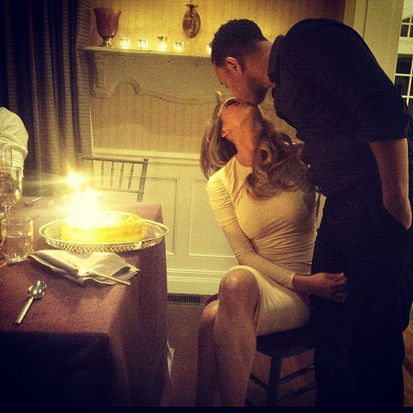 Chrissy-Teigen-kissed-her-husband-during-her-birthday-celebrations