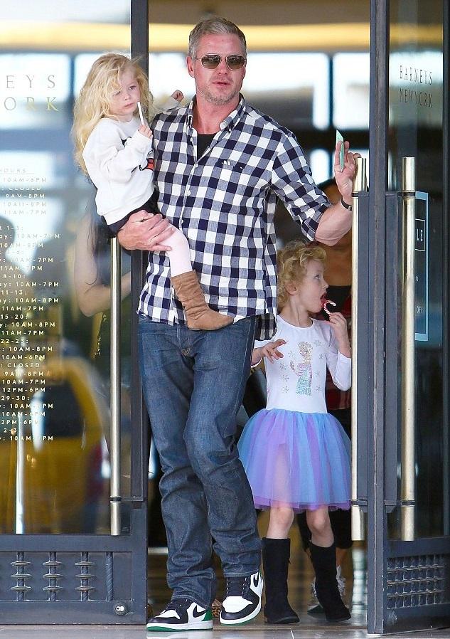 Эрик Дэйн с дочками