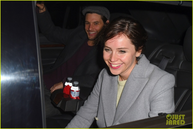 felicity-jones-ben-barnes-share-a-car-at-lax-airport-02