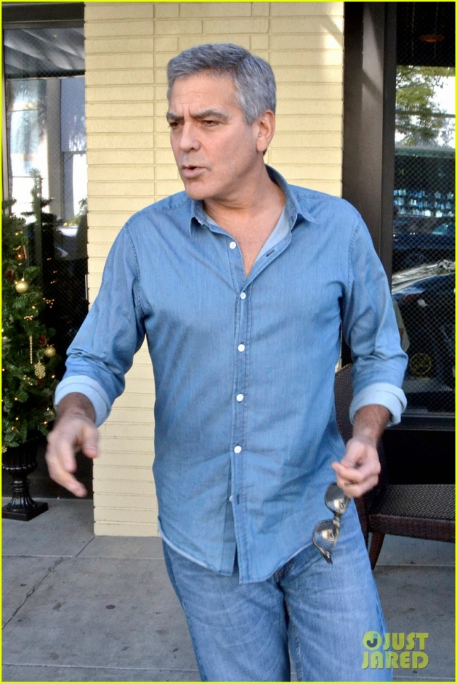 george-clooney-heads-out-after-amal-pregnancy-rumors-19