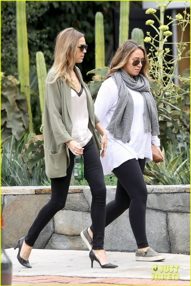 haylie-duff-is-pregnant-02