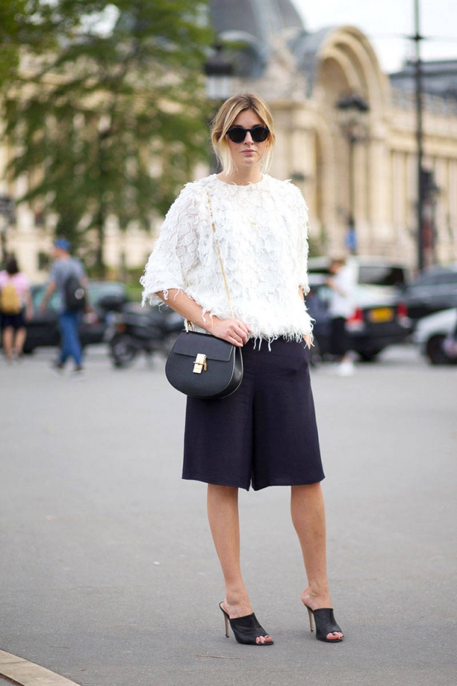 hbz-bags-shoes-2-pfw-ss2015-street-style-day5-26-lg