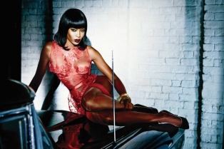 hbz-Naomi-Campbell-in-Honney-in-Agent-Provocateur-lg