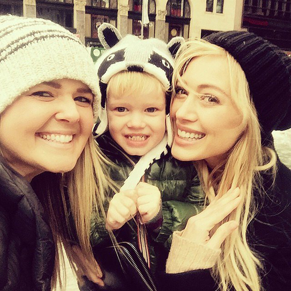 Hilary-Duff-spent-her-day-play-her-son-Luca-her-friend