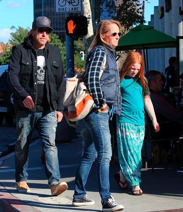 Хелен Хант с дочкой и Мэтью Карнаханом