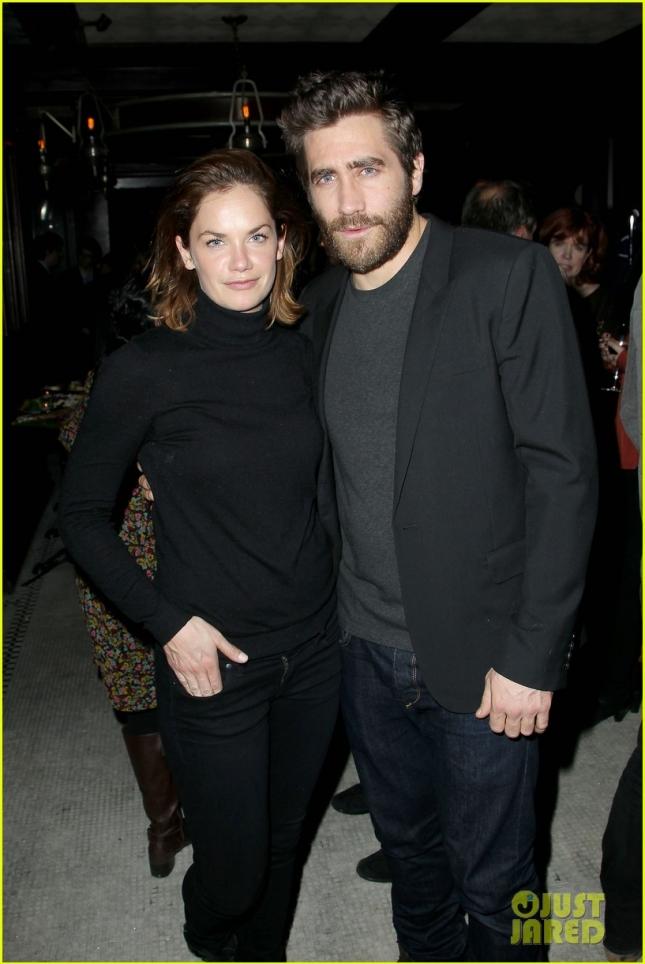 """Джейк Джилленхол и Рут Уилсон, его партнерша в бродвейском спектакле """"Созвездие"""", отметили успех картины """"Стрингер"""""""