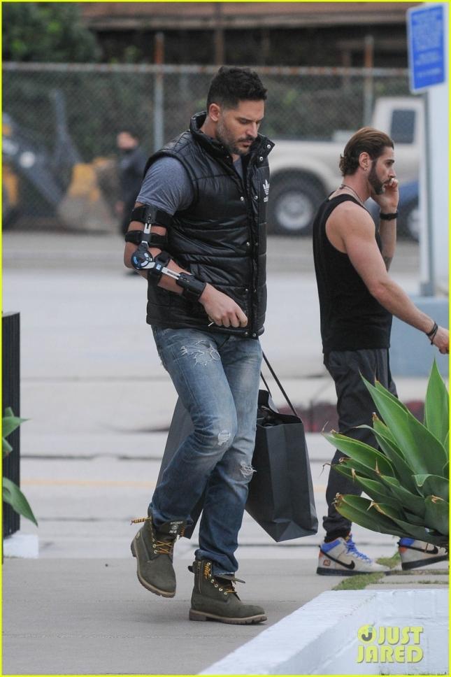 """Джо Манганьелло получил производственную травму на съемках """"Супер Майка XXL"""""""