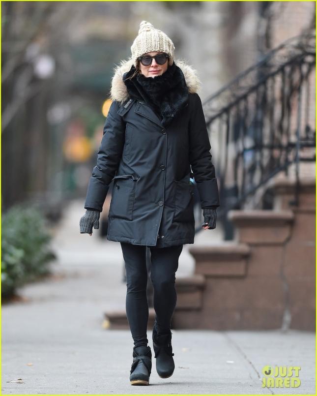 13 декабря: Джулианна Мур в Нью-Йорке