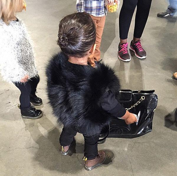 Kim-Kardashian-North-West-Her-Cousins-Pictures (1)