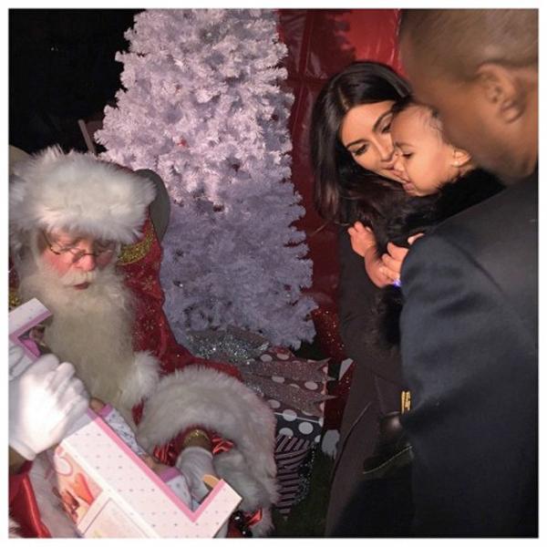 kim-kardashian-santa-500x500
