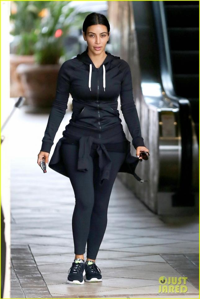 Ким Кардашьян после гимнастики