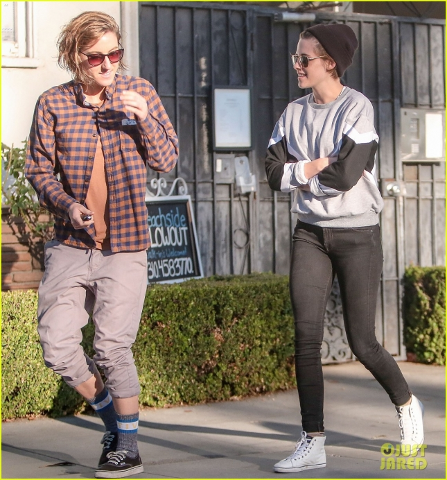 Kristen Stewart Has Lunch With Friend & Rumored Lesbian Lover Alicia Cargile