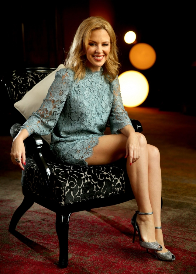 kylie-minogue-at-gt-hotel-photoshoot-in-sydney-02-26-2014_1